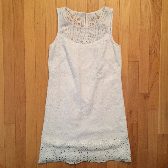 7e160df73721b Sleeveless floral lace flounce hem shift dress. NWT. White House Black  Market